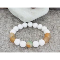 гривна от полускъпоценни камъни бял жадеит и паунов ахат mp076